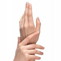 手のシワやシミ気になりませんか?紫外線対策は必要?