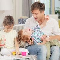 子育ての悩み!パパを見て泣くのは理由がある!上手にパパを育児に参加させよう!